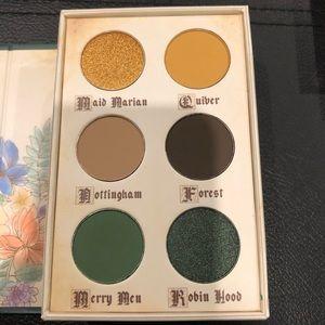 💃🏼 2/$45 Robin Hood storybooks cosmetics palette